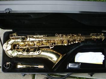 alto-sax-gold-laquer-3